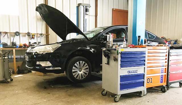 enlevant les tâches ou les trous automobile près de Guéret – Garage Giraudon